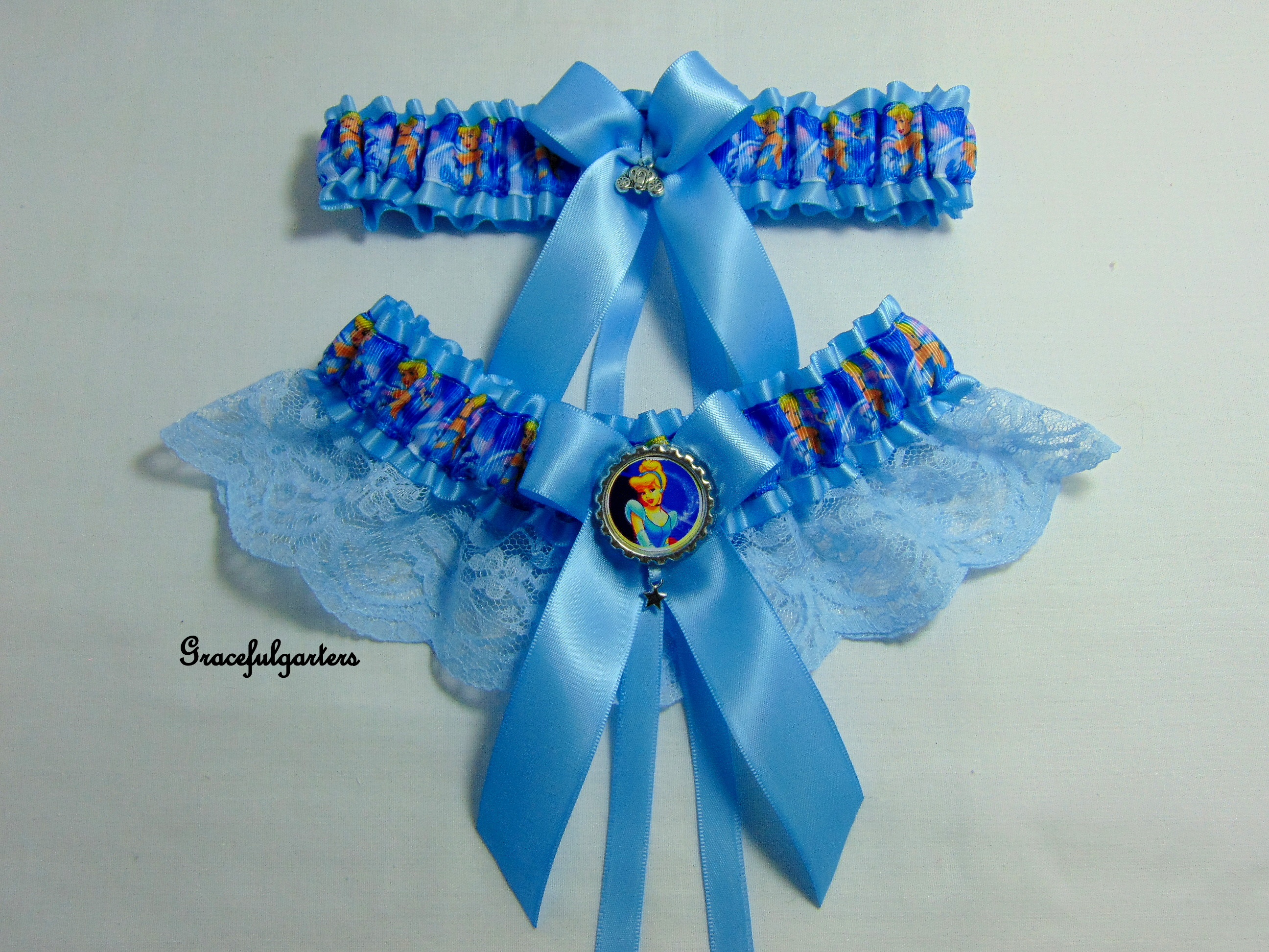 Cinderella Disney Bridal Wedding Garter Set .