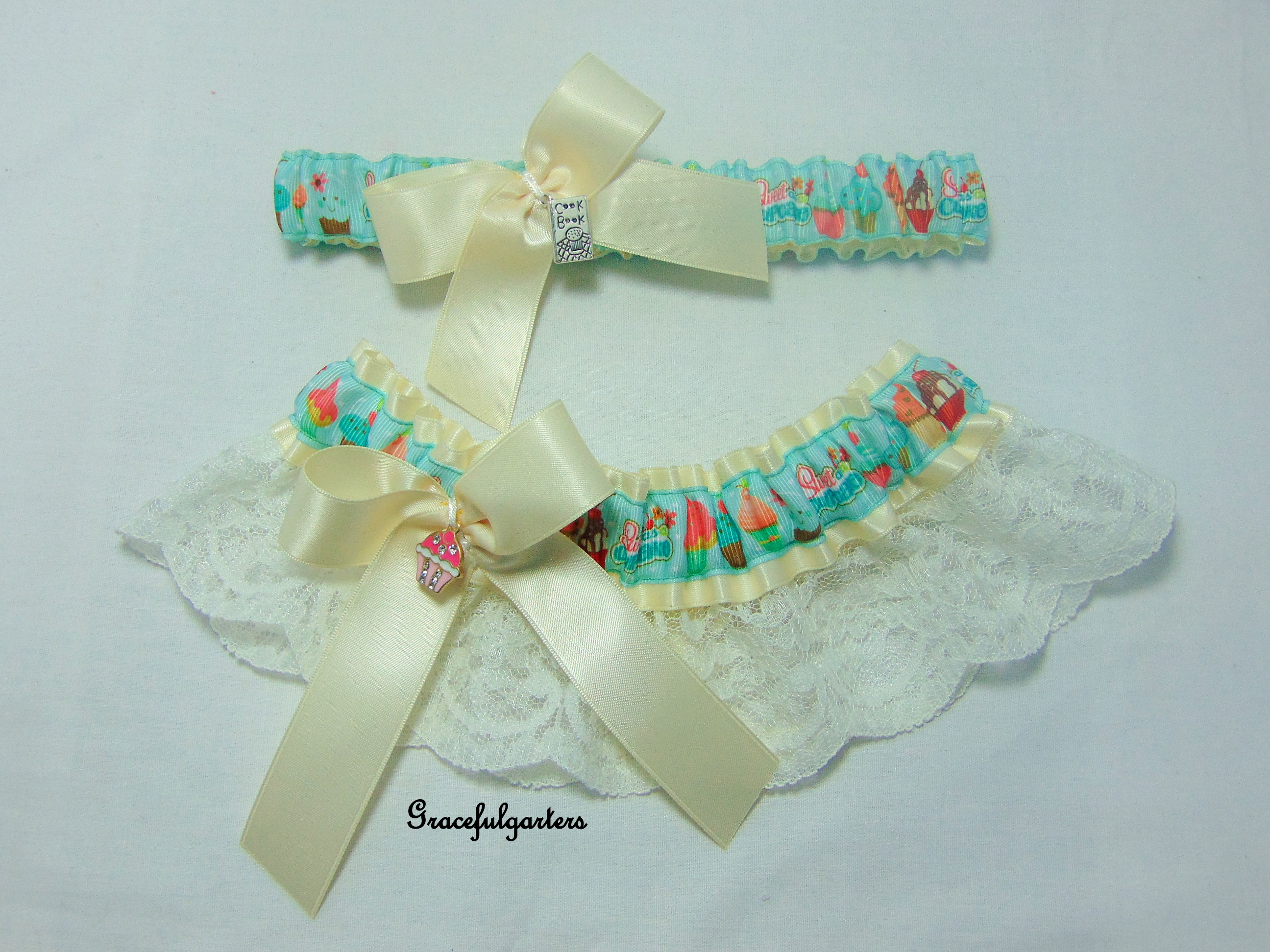 cupcakes bridal wedding garter set