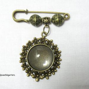Bouquet Memory Charm Garter Pin