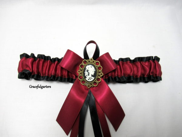Victorian Gothic Cameo Skull Bridal Wedding Garter